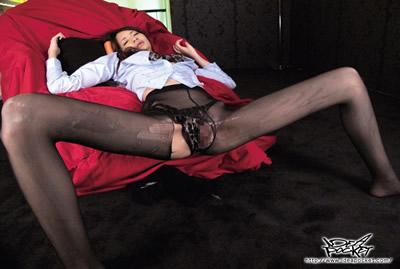 【iptd-831C】8头身模特儿的美腿嫩鲍 梨梨衣 第三集