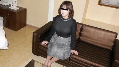 点击播放《【022619_041】素人美人妻第一次拍摄AV的样子 76 菅谷美知子》