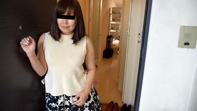 [030818_232] 人妻自宅在老公的枕头上粘着男人的精子〜 太田裕香