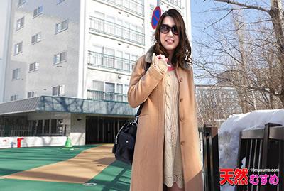 【050415-01】   御姐范女神远山雪菜的初次约拍