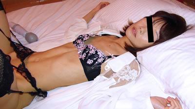 点击播放《【112918_387】萌芽的年轻妻子们〜激发征服欲的女人〜》