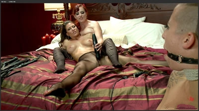 [欧美经典]	     Mz Berlin Ariel X Andre Shakti Out of Town Girl Tricked and Tortured by Pantyhose Tribbing Lesbians