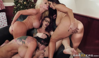 [欧美精选]2017.12_BigTitsAtWork.comBrazzers_Ava_AddamsMonique_AlexanderNicolette_SheaRomi_Rain_Office_4-Play_Christmas_Bonuses