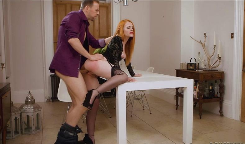 [法国啄木鸟]DorcelClub_17-06-14-ella-hughes-the-horny-redhead-girl