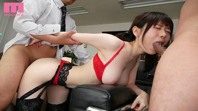 【MIDE-736】          性骚扰公开羞耻r圈是一个在高级游戏试穿监视器上打来的腼腆打工女大学生