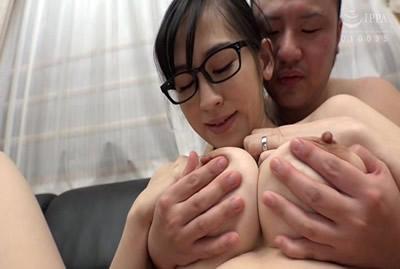 [SUSS-005B] 大奶眼镜结婚综合6人VOL.2谁来AV采访