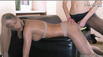 Agnes, Michelle - Addicted To Pantyhose Fetish