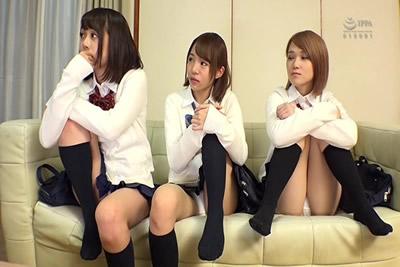 【SW-534B】          5个女大学生来我家玩,随便给我看一下诱惑我。弟弟的同学们,大家都很可爱,实际上是非常喜欢有爱的H的年龄!